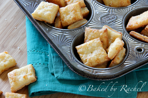 White cheddar cheese crackers from @bakedbyrachel