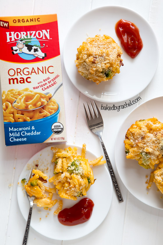 Mac and cheese cups with broccoli and bacon recipe from @bakedbyrachel A fun dinner for the entire family, ready in under 30 minutes!